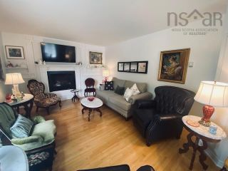 Photo 8: 631 Kings Road in Sydney: 201-Sydney Residential for sale (Cape Breton)  : MLS®# 202122049