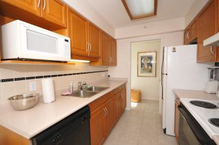"""Photo 8: 1204 1111 HARO Street in Vancouver: West End VW Condo for sale in """"ELEVEN ELEVEN HARO"""" (Vancouver West)  : MLS®# V876639"""