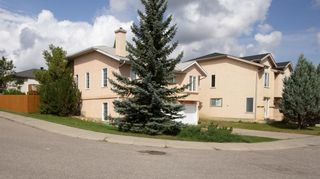 Photo 2: 123 Millbank Road SW in Calgary: Millrise Detached for sale : MLS®# A1140513