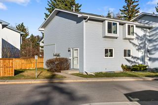 Main Photo: 97 4810 40 Avenue SW in Calgary: Glamorgan Row/Townhouse for sale : MLS®# A1102559