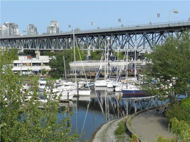 Main Photo: 407 1551 Mariner Walk in Vancouver: Condo for sale : MLS®# V966325