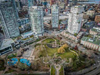 """Photo 22: 806 58 KEEFER Place in Vancouver: Downtown VW Condo for sale in """"Firenze"""" (Vancouver West)  : MLS®# R2552161"""