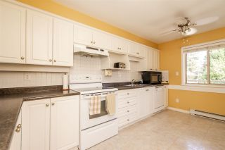 """Photo 5: 101 33731 MARSHALL Road in Abbotsford: Central Abbotsford Condo for sale in """"Stephanie Place"""" : MLS®# R2318519"""
