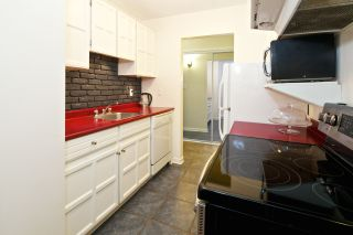"""Photo 8: 218 710 E 6TH Avenue in Vancouver: Mount Pleasant VE Condo for sale in """"McMillan House"""" (Vancouver East)  : MLS®# R2064398"""