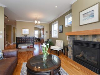 Photo 4: 17 10520 McDonald Park Rd in : NS McDonald Park Row/Townhouse for sale (North Saanich)  : MLS®# 871986