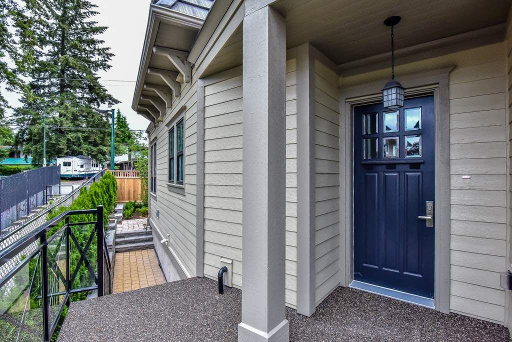 Main Photo: 103 658 HARRISON Avenue in Coquitlam: Coquitlam West Townhouse for sale : MLS®# R2418867