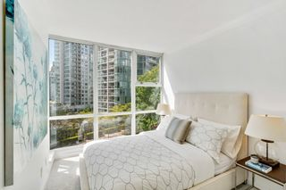 """Photo 17: 805 1077 MARINASIDE Crescent in Vancouver: Yaletown Condo for sale in """"MARINASIDE RESORT RESIDENCES"""" (Vancouver West)  : MLS®# R2582229"""