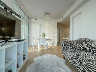 Photo 3: 306 83 Saghalie Rd in Victoria: VW Songhees Condo for sale (Victoria West)  : MLS®# 812592