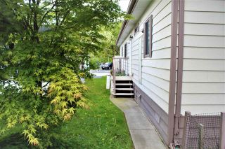 """Photo 4: 18 145 KING EDWARD Street in Coquitlam: Maillardville Manufactured Home for sale in """"MILL CREEK VILLAGE"""" : MLS®# R2575848"""