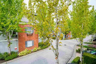"""Photo 17: 39 18983 72A Avenue in Surrey: Clayton Townhouse for sale in """"Kew"""" (Cloverdale)  : MLS®# R2577915"""