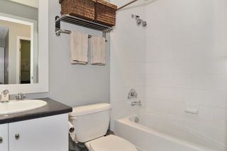 Photo 8: 205 1238 BURRARD STREET in Vancouver West: Home for sale : MLS®# R2007783