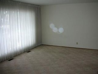 Photo 2: : House for sale (Lynnwood)