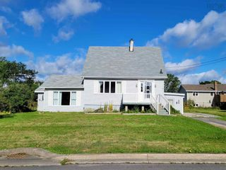 Photo 1: 16 Rosewood Avenue in Glace Bay: 203-Glace Bay Residential for sale (Cape Breton)  : MLS®# 202123398
