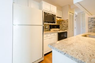 """Photo 7: 1007 6455 WILLINGDON Avenue in Burnaby: Metrotown Condo for sale in """"PARKSIDE MANOR"""" (Burnaby South)  : MLS®# R2207177"""