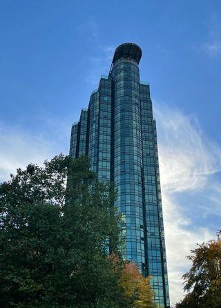 "Photo 6: 2301 555 JERVIS Street in Vancouver: Coal Harbour Condo for sale in ""HARBOURSIDE PARK II"" (Vancouver West)  : MLS®# R2624251"