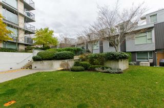 "Photo 4: 609 328 E 11TH Avenue in Vancouver: Mount Pleasant VE Condo for sale in ""Uno"" (Vancouver East)  : MLS®# R2126695"