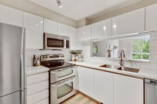 """Photo 10: 304 8450 JELLICOE Street in Vancouver: South Marine Condo for sale in """"Boardwalk"""" (Vancouver East)  : MLS®# R2615136"""