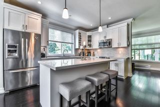 """Photo 6: 1 16458 23A Avenue in Surrey: Grandview Surrey Townhouse for sale in """"Essence At The Hamptons"""" (South Surrey White Rock)  : MLS®# R2394314"""