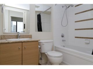 Photo 3: 704 909 MAINLAND Street in Vancouver: Yaletown Condo for sale (Vancouver West)  : MLS®# V1072136