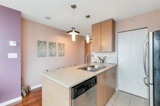 """Photo 7: 3407 909 MAINLAND Street in Vancouver: Yaletown Condo for sale in """"Yaletown Park II"""" (Vancouver West)  : MLS®# R2593394"""