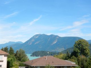 Photo 2: 6392 PIPER Place in Sechelt: Sechelt District House for sale (Sunshine Coast)  : MLS®# R2104359