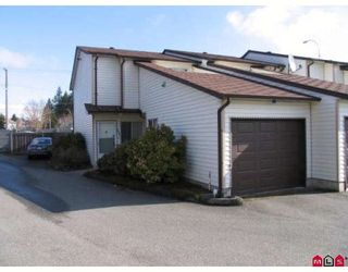 """Photo 1: 101 15529 87A Avenue in Surrey: Fleetwood Tynehead Townhouse for sale in """"EVERGREEN ESTATES"""" : MLS®# F2906932"""