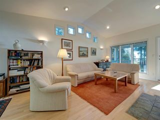 Photo 9: 7891 REDROOFFS Road in Halfmoon Bay: Halfmn Bay Secret Cv Redroofs House for sale (Sunshine Coast)  : MLS®# R2507576