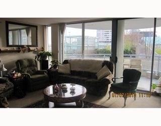 """Photo 2: 604 719 PRINCESS Street in New Westminster: Uptown NW Condo for sale in """"STERLING PLACE"""" : MLS®# V803111"""