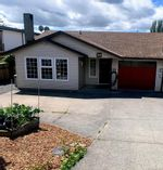 Main Photo: 2147 Weiler Ave in Sidney: Si Sidney South-West Half Duplex for sale : MLS®# 842931