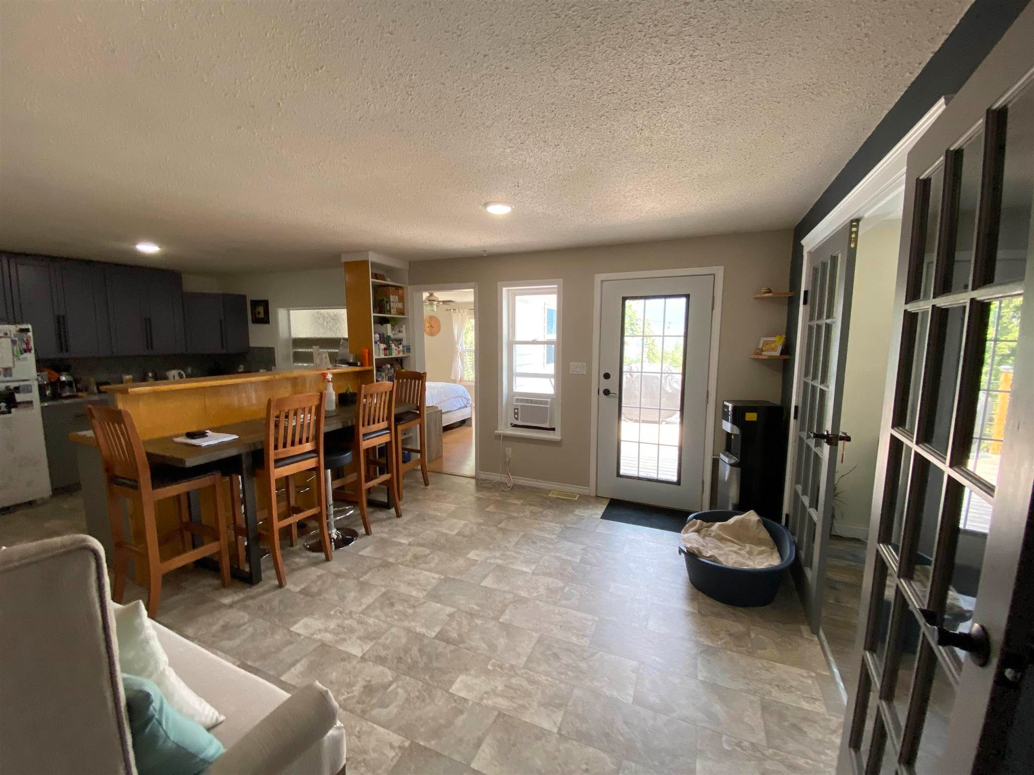 """Photo 4: Photos: 1806 JUNIPER Street in Williams Lake: Williams Lake - City House for sale in """"SOUTH LAKESIDE"""" (Williams Lake (Zone 27))  : MLS®# R2601973"""