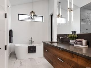 Photo 39: 5460 Bayshore Dr in : Na North Nanaimo House for sale (Nanaimo)  : MLS®# 859841