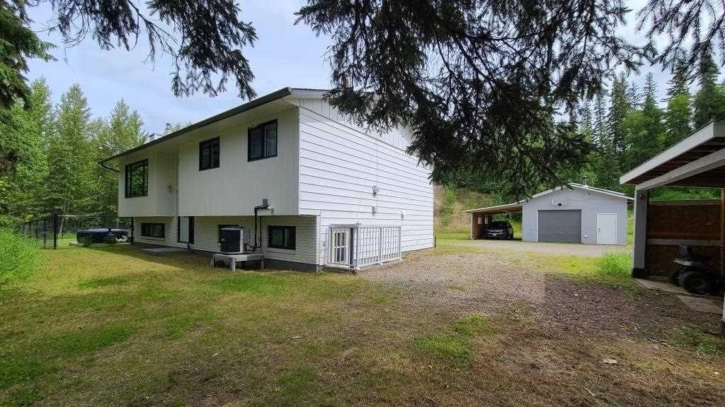 "Main Photo: 9296 OLD SUMMIT LAKE Road in Prince George: Old Summit Lake Road House for sale in ""OLD SUMMIT LAKE ROAD"" (PG City North (Zone 73))  : MLS®# R2476364"
