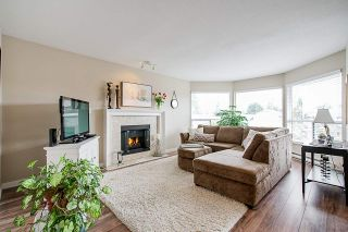 Photo 4: 1915 159A Street in Surrey: King George Corridor House for sale (South Surrey White Rock)  : MLS®# R2342942
