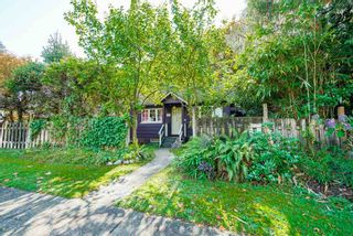Photo 1: 517 W 23RD Street in North Vancouver: Central Lonsdale House for sale : MLS®# R2374741