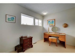 Photo 15: 6224 LONGMOOR Way SW in Calgary: Lakeview House for sale