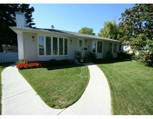 Main Photo:  in CALGARY: Highwood Residential Detached Single Family for sale (Calgary)  : MLS®# C3225712