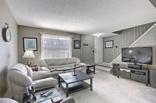 Photo 6: 22 3809 45 Street SW in Calgary: Glenbrook Row/Townhouse for sale : MLS®# A1090876