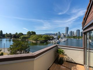 """Photo 23: 1128 IRONWORK PASSAGE in Vancouver: False Creek Townhouse for sale in """"SPRUCE VILLAGE"""" (Vancouver West)  : MLS®# R2382408"""