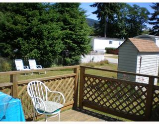 """Photo 5: 70 1413 HIGHWAY 101 BB in Gibsons: Gibsons & Area Manufactured Home for sale in """"THE POPLARS"""" (Sunshine Coast)  : MLS®# V643850"""