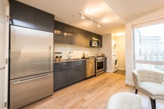 """Photo 2: 401 233 KINGSWAY in Vancouver: Mount Pleasant VE Condo for sale in """"YVA"""" (Vancouver East)  : MLS®# R2330025"""