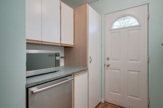 Photo 11: 5407 LADBROOKE Drive SW in Calgary: Lakeview Detached for sale : MLS®# A1009726