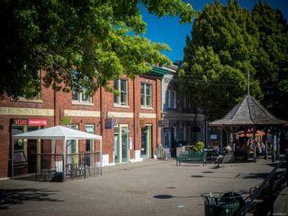 Photo 33: 102 1007 Caledonia Ave in : Vi Central Park Condo for sale (Victoria)  : MLS®# 885671