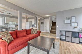 Photo 5: 161 Douglas Ridge Circle SE in Calgary: Douglasdale/Glen Detached for sale : MLS®# A1137353