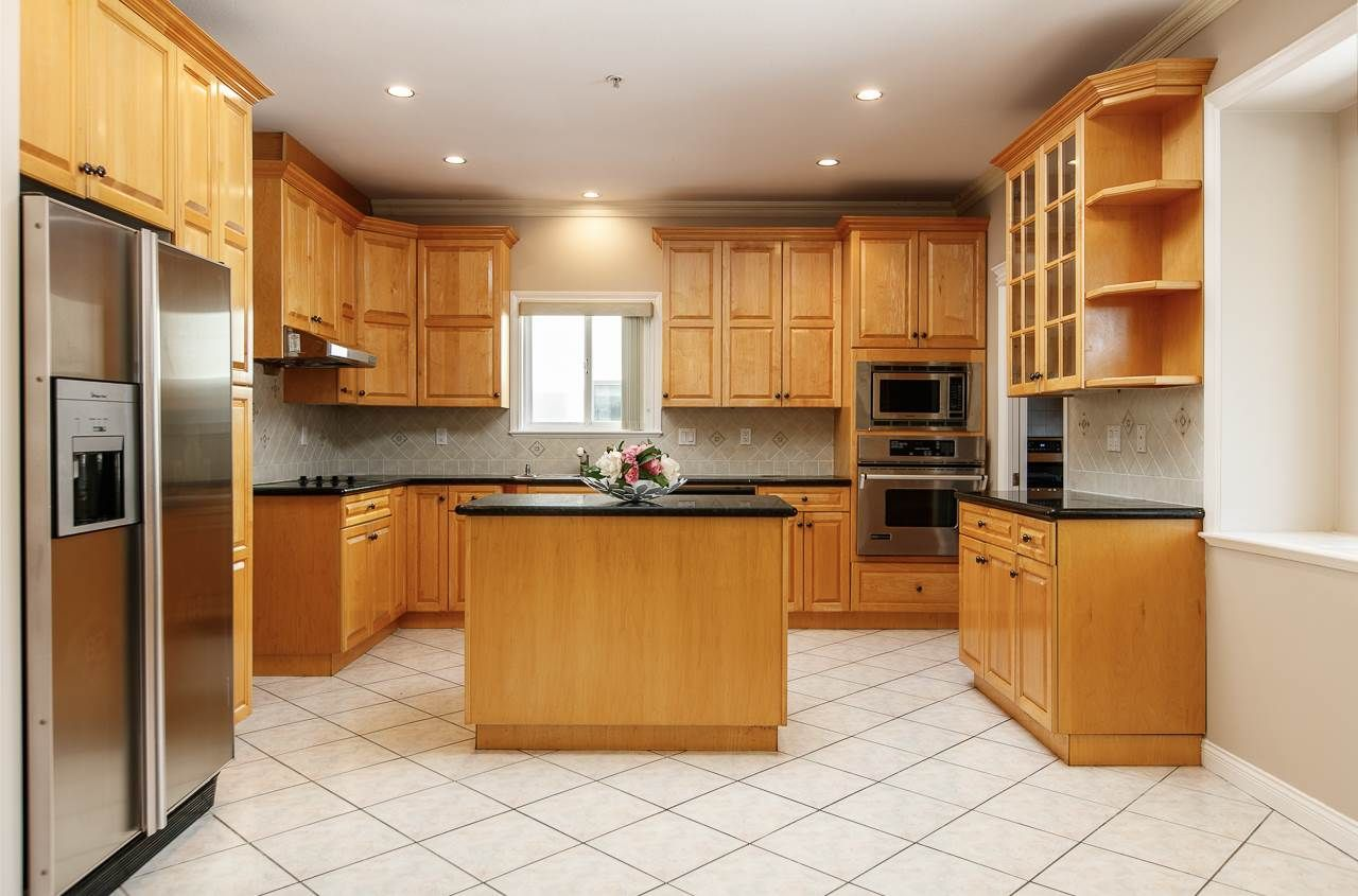 Photo 5: Photos: 6228 DOMAN Street in Vancouver: Killarney VE House for sale (Vancouver East)  : MLS®# R2186652