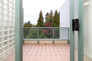 """Photo 21: 405 1705 MARTIN Drive in Surrey: White Rock Condo for sale in """"Southwynds"""" (South Surrey White Rock)  : MLS®# R2625485"""