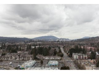 """Photo 18: 2202 2968 GLEN Drive in Coquitlam: North Coquitlam Condo for sale in """"Grand Central 2"""" : MLS®# R2142180"""