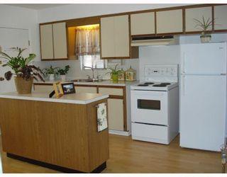 Photo 5: 3216 VENABLES STREET in Vancouver: Renfrew VE House for sale (Vancouver East)  : MLS®# R2028467