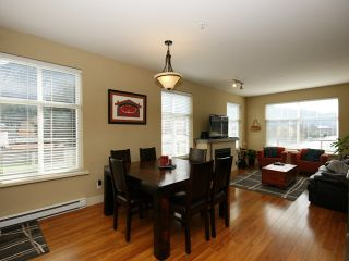 Photo 3: # 205 1336 MAIN ST in Squamish: Downtown SQ Condo for sale : MLS®# V1109070