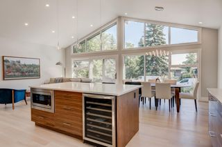 Main Photo: 5423 Ladbrooke Drive SW in Calgary: Lakeview Detached for sale : MLS®# A1080410
