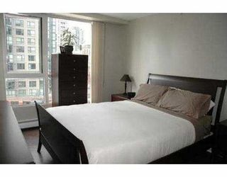 "Photo 8: 11C 199 DRAKE ST in Vancouver: False Creek North Condo for sale in ""CONCORDIA 1"" (Vancouver West)  : MLS®# V542014"